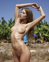 Taya in Hot And Naked by Hegre-Art (nude photo 7 of 12)