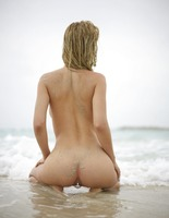 Natalia A in Danger On The Beach by Hegre-Art (nude photo 2 of 12)