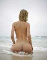 Natalia A in Danger On The Beach by Hegre-Art (nude photo 3 of 12)