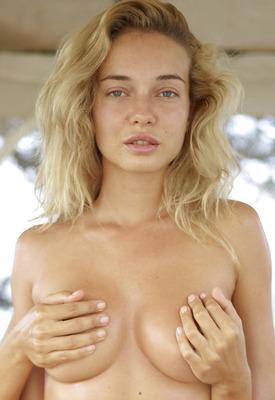 12 Pics: Natalia A in Heavenly Massage by Hegre-Art