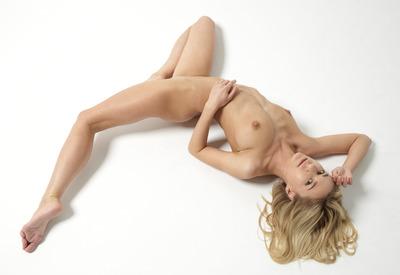 12 Pics: Darina L in Nude Body Art by Hegre-Art