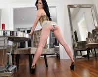 Jenna Ross Toying (nude photo 2 of 15)