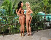 Lola & Nataly (nude photo 5 of 15)