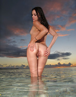 Renee Perez spreads ass and vibrates her pussy on the beach (nude photo 14 of 15)