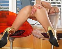 Bridget Spreads Pink (nude photo 10 of 16)