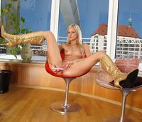 Bridget Spreads Pink (nude photo 13 of 16)