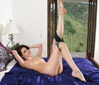 Aiden Ashley Spreads (nude photo 5 of 16)