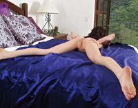 Aiden Ashley Spreads (nude photo 7 of 16)