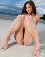 Caprice on the Beach (nude photo 12 of 16)