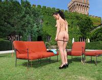 Betty Masturbating Outdoors (nude photo 5 of 16)