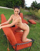 Betty Masturbating Outdoors (nude photo 15 of 16)
