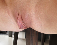 Angel Piaff in Closeup Spreads (nude photo 9 of 15)