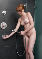 Maria in Wet Fingers (nude photo 5 of 16)