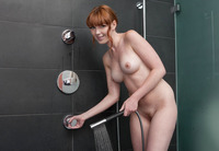 Maria in Wet Fingers (nude photo 6 of 16)