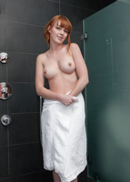 Maria in Wet Fingers (nude photo 15 of 16)