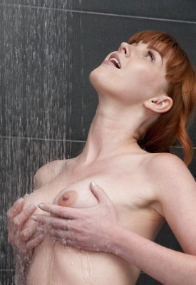 16 Pics: Maria in Wet Fingers