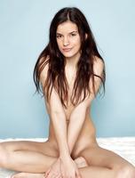 Kaylee in Slender (nude photo 4 of 16)