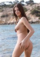 Anastasia C. in Oceana (nude photo 8 of 18)
