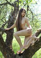Konstansija in Botanique (nude photo 6 of 18)