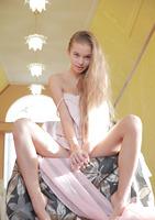 Milena D in Vrahioli (nude photo 3 of 16)
