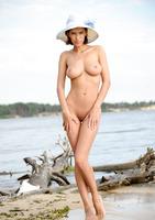 Suzanna A in Palmiye (nude photo 14 of 16)