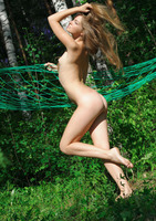 Bridgit A in Seperti (nude photo 16 of 18)