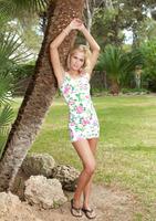 Tracy A in Veluti (nude photo 2 of 18)