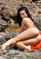 Sapphira A in Kallu (nude photo 14 of 16)