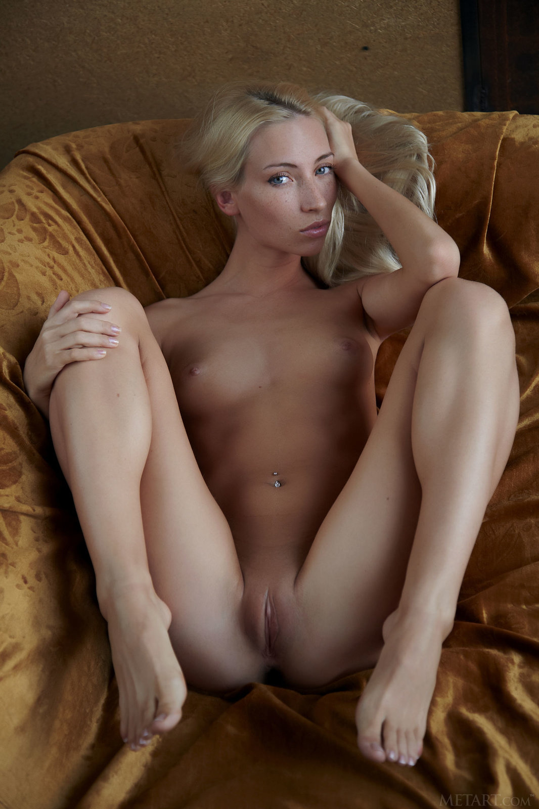 Long Leg Nude Pics