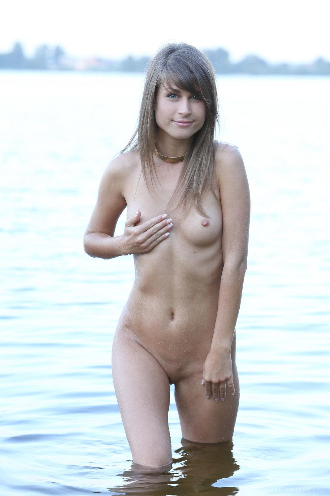 Mia D from Met-Art in Soleca (16 photos) | Erotic Beauties