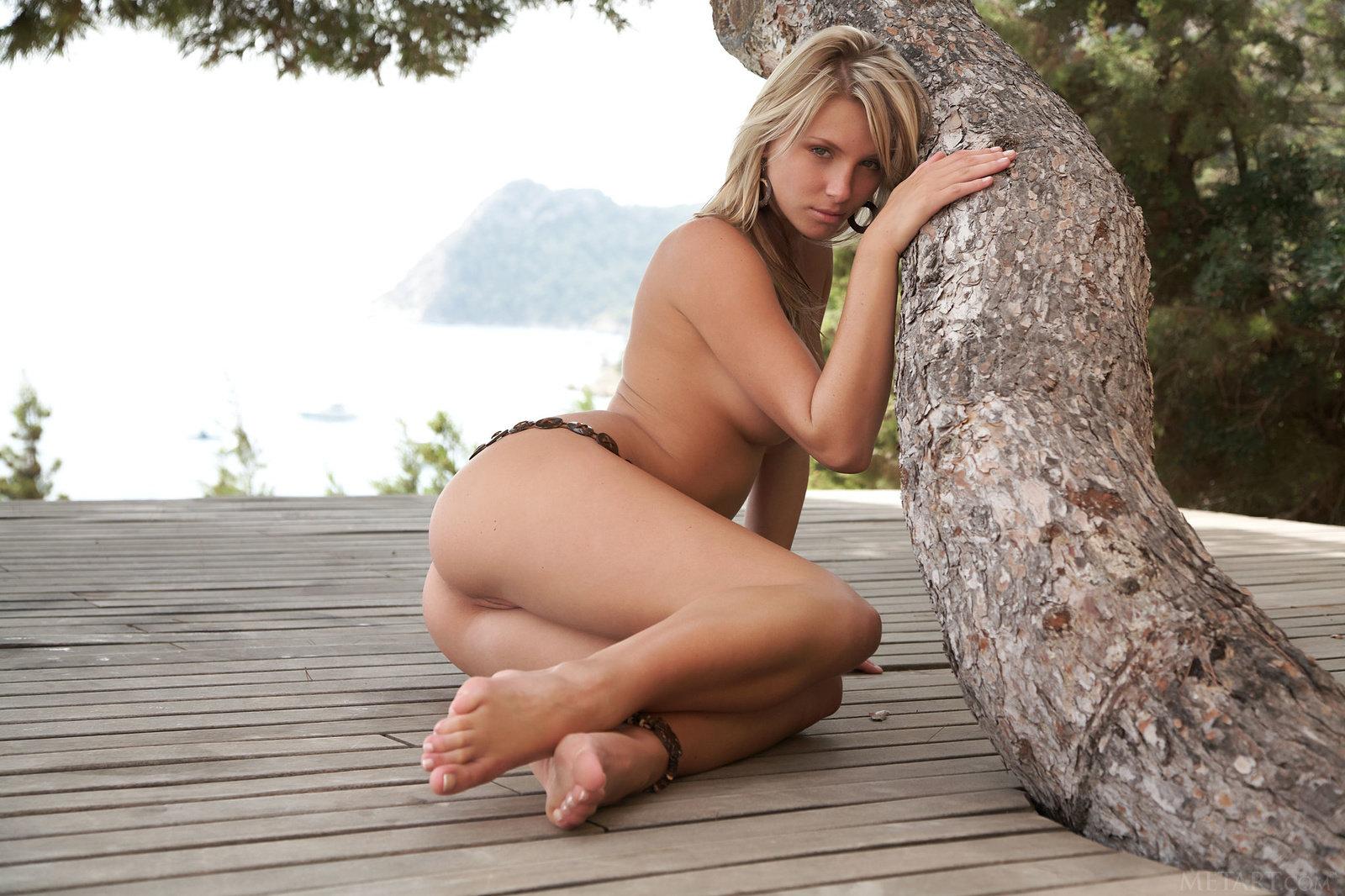Met art danae Nude