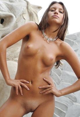 exotic-nudity-naked-selfie-sexting
