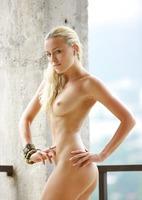 Sexy Blonde Liza (nude photo 12 of 18)