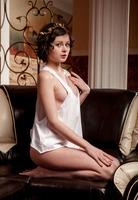 Presenting Vinka by Met-Art (nude photo 2 of 16)