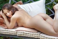 Una Piccola in Mareda by Met-Art (nude photo 12 of 16)