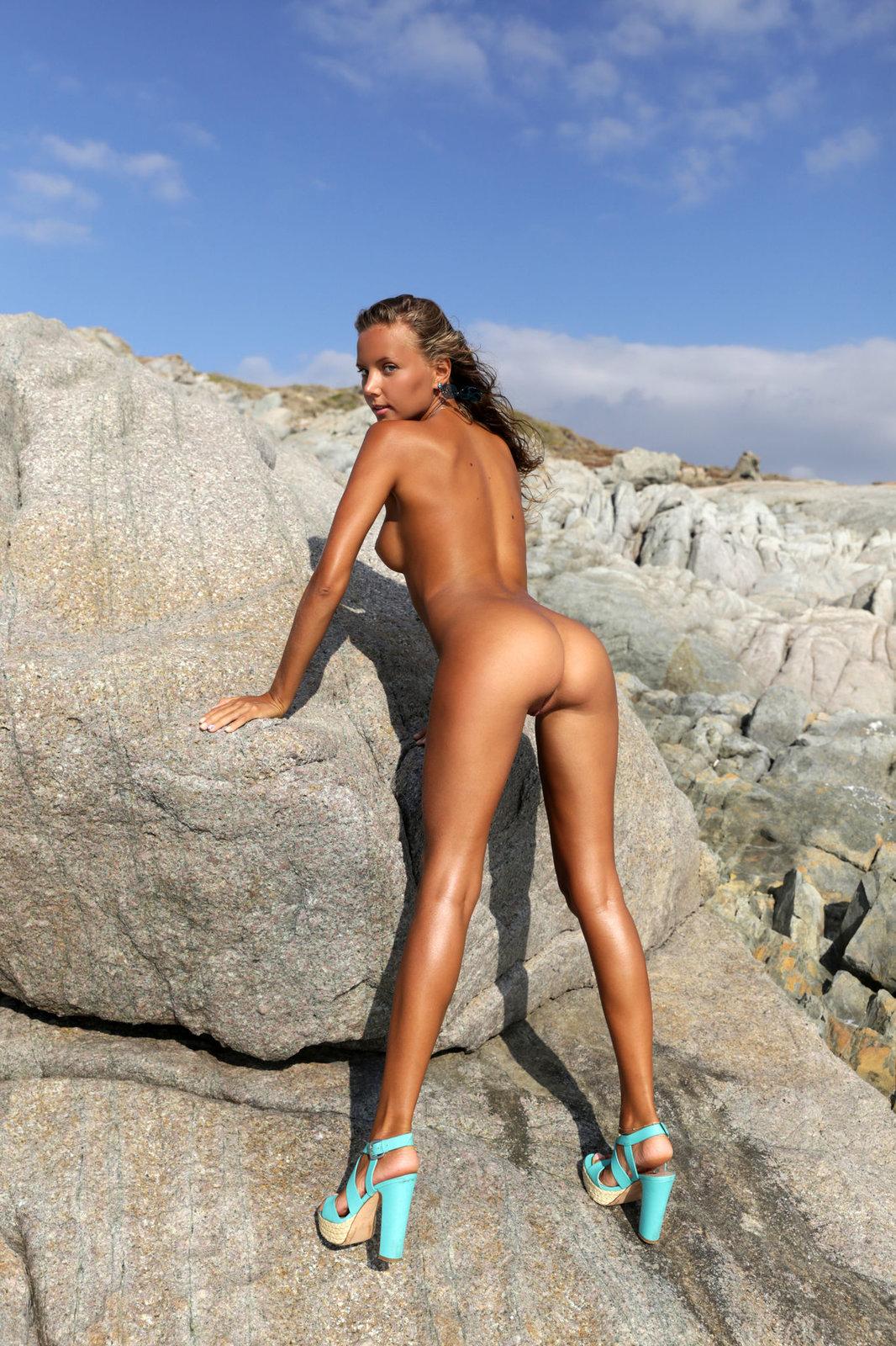 Mango A in Hattie by Met-Art (16 photos) | Erotic Beauties