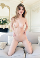 Caramel in Rertin by Met-Art (nude photo 16 of 16)