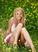 Talia in Flourish Of Color (nude photo 2 of 12)