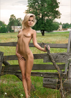 Gina in Pastoral (nude photo 10 of 12)
