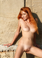 Naomi in Eastern Mystery (nude photo 8 of 12)