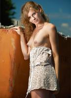 Katsia in Velvet Dreams (nude photo 2 of 12)