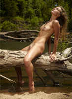 Outdoor nudes with Sasha (nude photo 9 of 12)