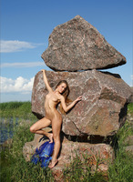 Presenting erotic teen Valentina (nude photo 11 of 12)