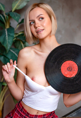 16 Pics: Lana Lane in Can You Hear The Music by MPL Studios