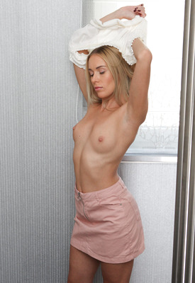 16 Pics & Free Video: Angelika Grays in Lazy Days by Passion-HD