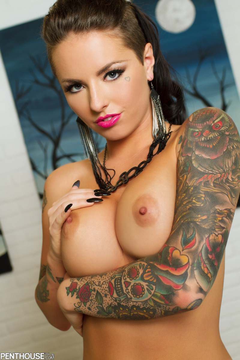 Tattooed Bad Bitch Christy Mack Spreading In Glamour Nudes -3962