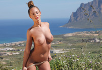 Vivienne in Panoramic (nude photo 12 of 12)