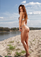 Rebecca in Along The River by Photodromm (nude photo 1 of 12)