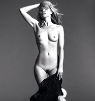 Kate Moss in Celebrity Nudes Vol. 1 (nude photo 11 of 12)