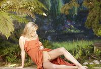 Jasmine in Plaisir (nude photo 2 of 12)